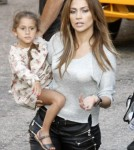 Jennifer Lopez is taking the twins on tour 0503