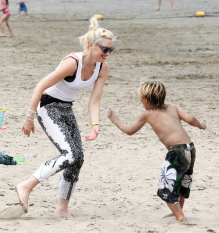 No Doubt Gwen Stefani And Her Boys Loved The Beach Party (Photos)
