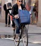 Naomi Watts bikes Alexander around Soho 0502