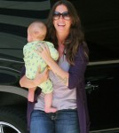Alanis Morissette Joins Breastfeeding Conversation 0520