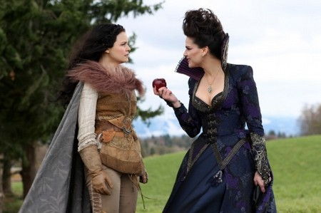 Once Upon a Time Season 1 Episode 21 'An Apple Red as Blood' Live Recap