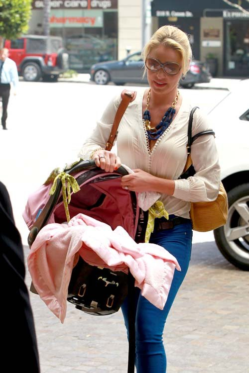 Katherine Heigl & daughter Adalaide arriving at Montage Beverly Hills - May 23