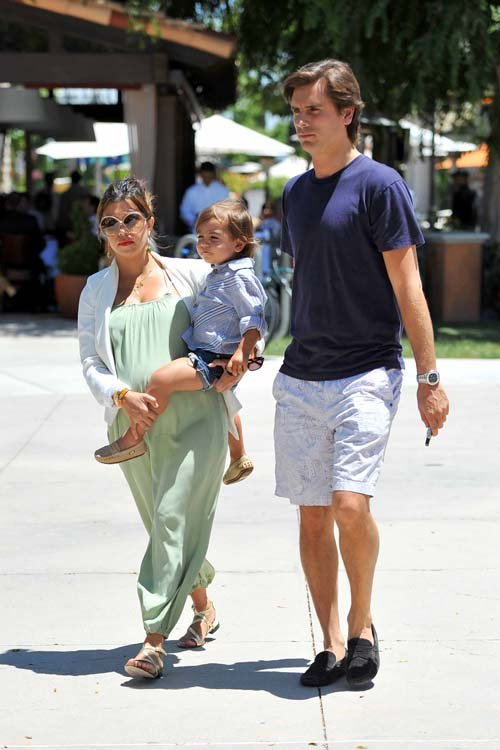 Kourtney Kardashian with Scott Disick and Mason at the Calabasas Commons in Calabasas, CA – May 23