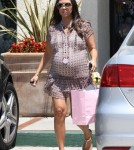 Kourtney Kardashian shopping at 'Meant 2 Be' in Woodland Hills, CA - May 29