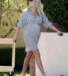 Reese Witherspoon picks up her kids from school in Los Angeles, CA - May 15