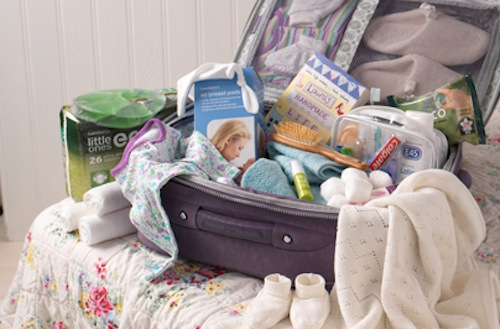 Packing For The Hospital Or Birth Center: What Not To Forget!!