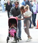 Sarah Jessica Parker And Girls Stroll In The City 0606