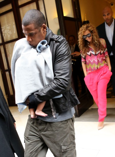 Beyonce And Jay-Z Take Blue Ivy To See The Paris Sights