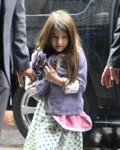 Suri Cruise Battles The Elements To Visit Her Dad