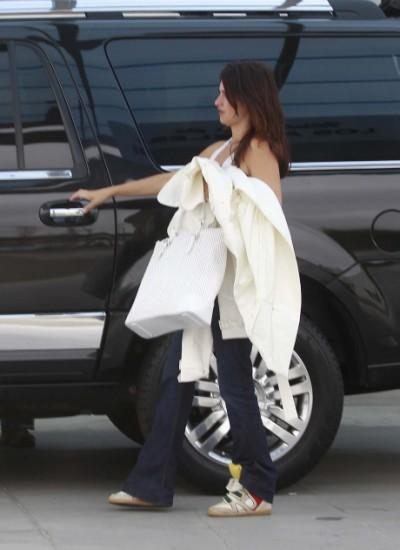 Penelope Cruz Jets Leo Out Of LA