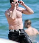 Hugh Jackman Hits The Beach With His Kids 0621