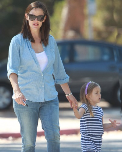 Jennifer Garner And Seraphina Have Swinging Time At The Park 0625