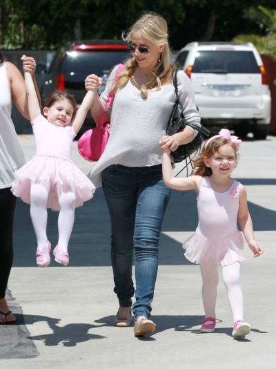Sarah Michelle Gellar Picks Her Ballerina Up From Class