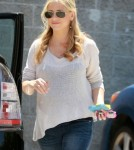 Sarah Michelle Gellar Picks Her Ballerina Up From Class 0618