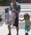 Woody Harrelson Takes Daughter Makani To Toy Store 0604