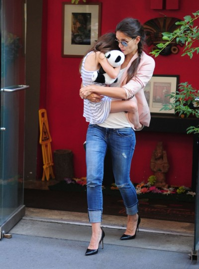 Katie Holmes Reunites With Suri Cruise In NYC 0615