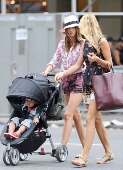 Miranda Kerr Strolls Around NYC With Flynn Bloom 0625