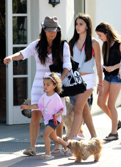 Housewife Kyle Richards Goes Shopping With Daughters In Beverly Hills
