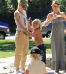 Gwen Stefani Parks It With Kingston And Zuma Rossdale 0627