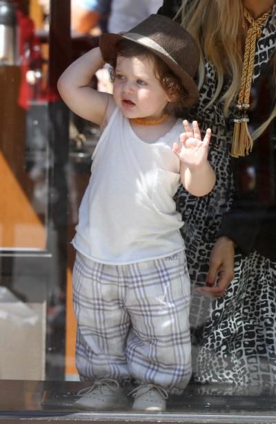 Rachel Zoe Satisfies Coffee Fix With Baby Boy Skyler 0607