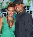 Hilary Duff & Mike Comrie at the 2010 Teen Choice Awards