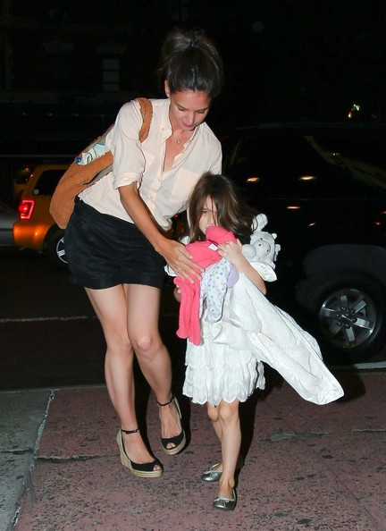 "Katie Holmes & Suri Cruise's ""Brave"" Movie Night"