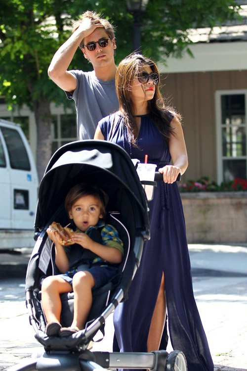 Kourtney Kardashian her husband Scott Disick and son Mason at the Calabasas farmers market – June 16