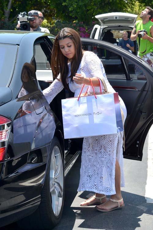Kourtney Kardashian leaving Fred Segal in Los Angeles, CA – June 19