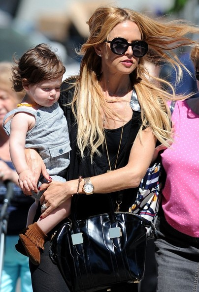 Rachel Zoe & Family Grab Pizza
