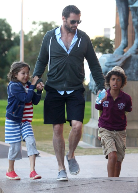 Hugh Jackman Takes Oscar And Ava Jackman To Art Gallery In Sydney