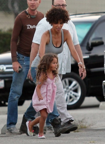 Halle Berry And Nahla Aubry Back To Work After Head Injury