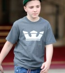 Madonna Leads Her Kids To Next Tour Stop, Gives Out Advice On The Way 0712