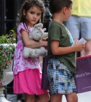 Katie Holmes And Suri Lunch At Alice's Tea Cup