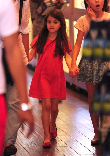 Suri Cruise Named Most Stylish Kid of the Year