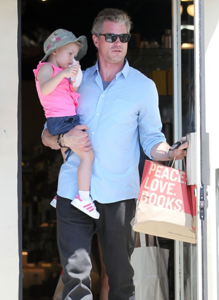 Eric Dane and Rebecca Gayheart Catch Up On Their Reading With Billie Dane 0730