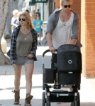 Chris Hemsworth Strolls With His Family Before Turning Back Into Thor 0717
