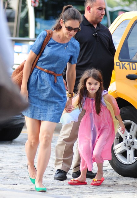 Another Fun Outing In NYC For Katie Holmes And Suri Cruise