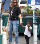 Jillian Michaels Keeps Family Healthy At The Farmer's Market 0723