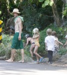 Julia Roberts' Family Vacations In Hawaii 0713