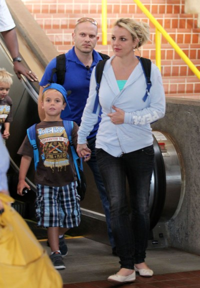 Britney Spears Lands In Maui To Vacation With Her Men