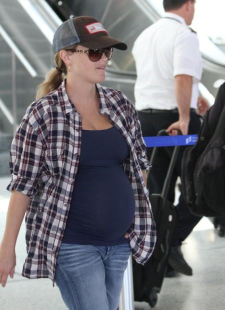 Reese Witherspoon And Baby Bump Keep It Casual At LAX 0720
