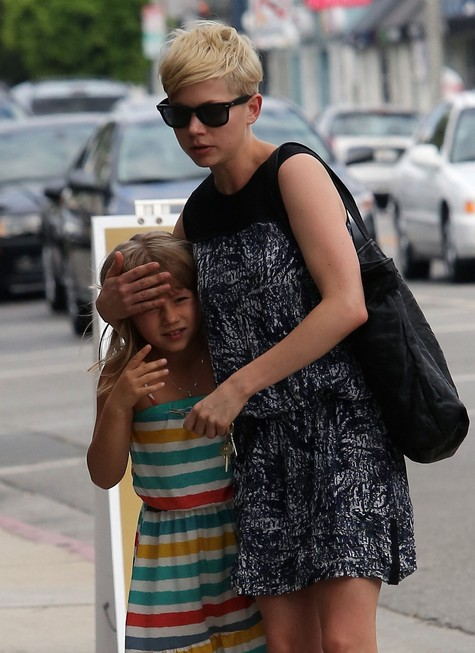 Michelle Williams Takes Daughter Matilda Ledger Shopping (Photos)