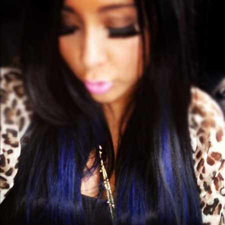 Pregnant Snooki Dyes Her Hair Blue (Photo)