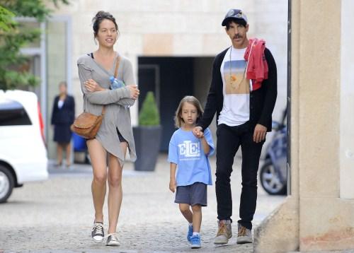 Cute Daddy Alert: Anthony Kiedis Is a Playground Daddy