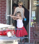 Michelle Williams and boyfriend Jason Segel picking up her daughter Matilda from school in Los Angeles, California on August 27, 2012. Afterwards they all went out to get a treat at KindKreme Organic Ice Cream and Frozen Yogurt in Studio City, California.