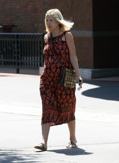 """Pregnant """"Craft Wars"""" host Tori Spelling did some grocery shopping at a local Gelson's Market in Los Angeles, California on August 19, 2012 with out make up. She is expecting her fourth child later this year."""