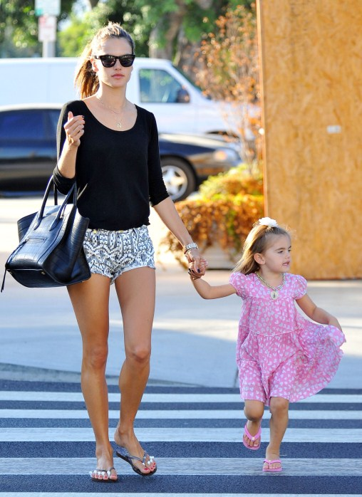 Alessandra Ambrosio & Anja: Mommy-Daughter Bonding Day