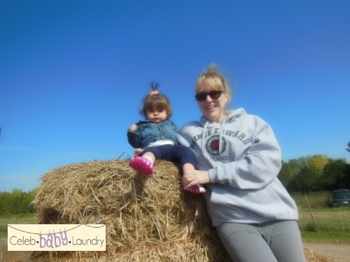 Fun Fall Family Activity: Apple Picking With Grandma & Grandpa (Photos)