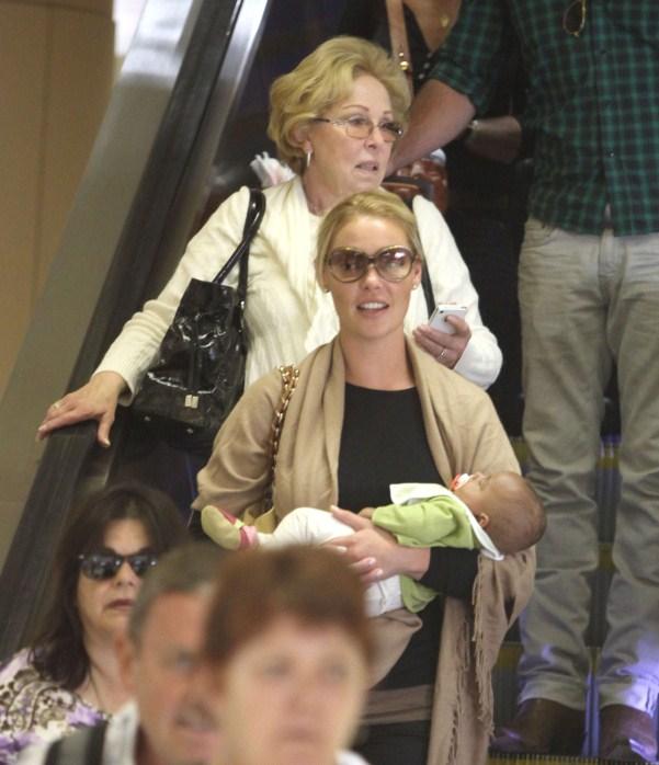 Katherine Heigl Touches Down With Family