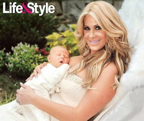 Kim Zolciak Introduces Her New Son, Kash Kade (Photo)